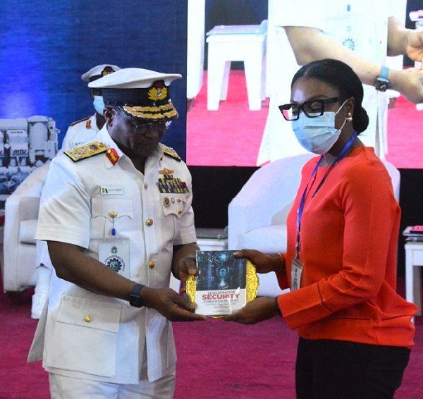 Gambo, Naval Chief of Staff, Presents Award to Dorman Long Engineering